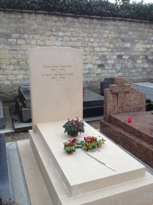 I went with Ursula from class to the Montparnasse Cemetery. We found Simone de Beauvoir and Jean-Paul Sartres grave